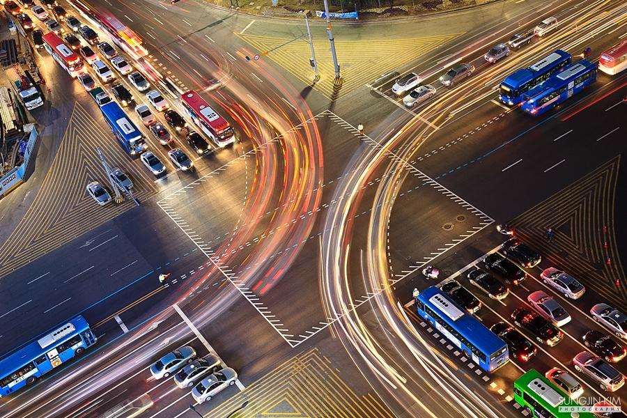 busy traffic at night