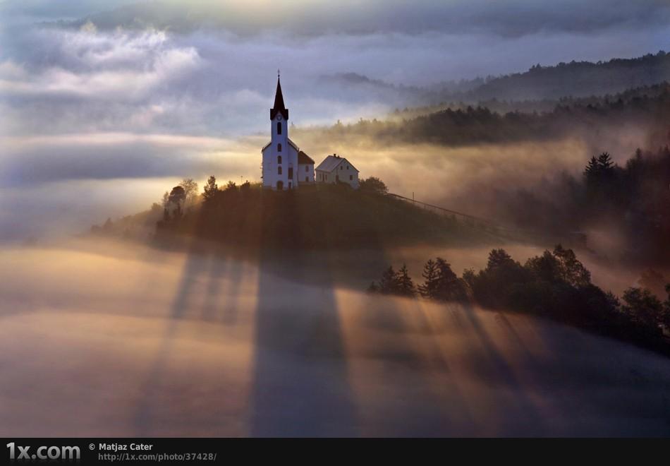church and light rays