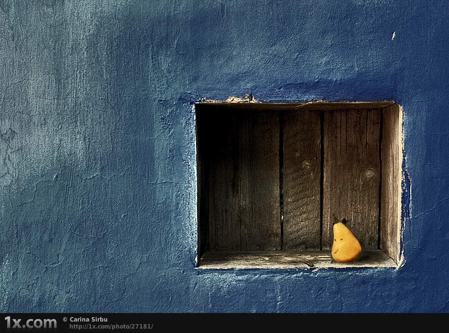 Simple blue by Carina Sirbu An introduction to minimalism in photography with stunning examples